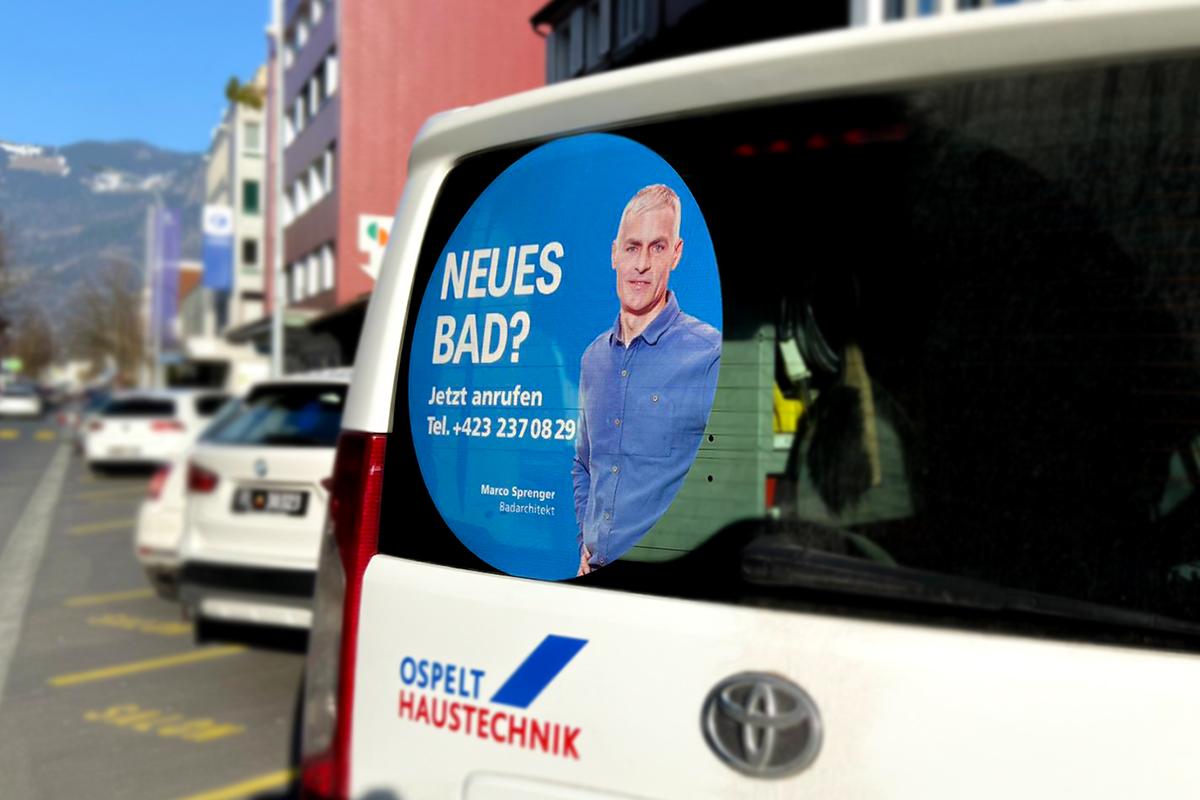 Fahrzeugbeschriftung für Sanierungs-Dienstleistungen, gestaltet von der Werbeagentur GERRYFRICK Est. in Liechtenstein